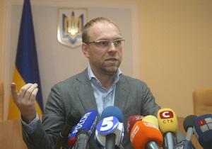 Власенко после отстранения продолжил перепалку с Киреевым. Судья удалил его из зала