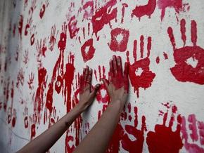 В Мумбаи почтили память погибших во время прошлогодних терактов
