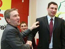 Кличко подал в суд на Черновецкого