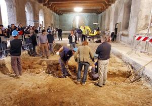 Археологи предположительно обнаружили останки женщины, с которой да Винчи рисовал Мону Лизу