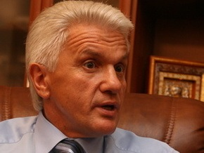 Партия регионов заблокировала вход в кабинет Литвина