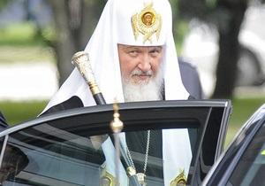 С корабля на бал. Прибывший на бронепоезде в Киев глава РПЦ отслужил молебен в Киево-Печерской Лавре
