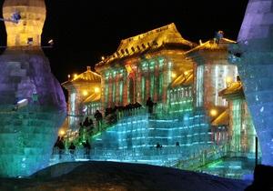 В Китае построили самый большой в мире дворец изо льда