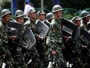 СМИ: Власти Китая ввели в Урумчи регулярные войска