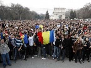Демонстранты прорвались в здание парламента Молдовы