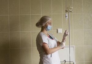 В Киеве женщина упала в открытый люк с кипятком