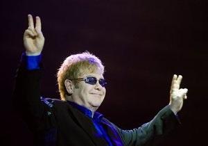 Элтон Джон возглавил рейтинг самых успешных синглов в истории Великобритании