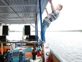 В Киевском море выпал за борт катера и утонул 26-летний киевлянин