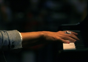 Ученые связали музыкальные предпочтения с преобладанием правой или левой руки у человека