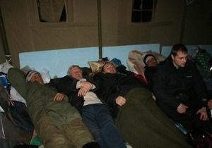 К голодающим в Донецке присоединились чернобыльцы из Полтавы и Луганска
