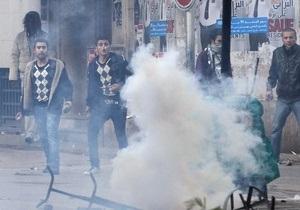 В Тунисе похороны убитого оппозиционера переросли в беспорядки