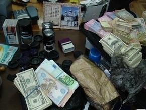 В Киеве ликвидирован конвертационный центр, ежедневно обналичивавший 3 млн гривен