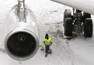В Украине из-за непогоды не работают три аэропорта