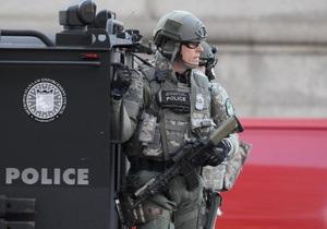 Фотогалерея: Повышенные меры безопасности. Усиленный режим работы полиции после теракта в Бостоне