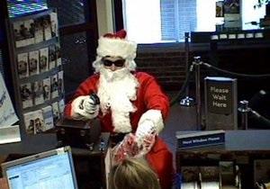 В США Санта-Клаус ограбил банк, чтобы  расплатиться с эльфами