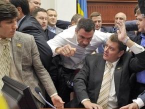 Фотогалерея: Бой Кличко в Киевсовете