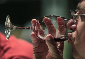Ученые: Красное вино действует на полных мужчин, как низкокалорийная диета