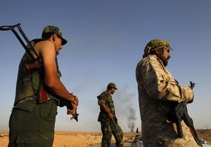 Повстанцы отступают от контролируемого силами Каддафи Бени-Валида