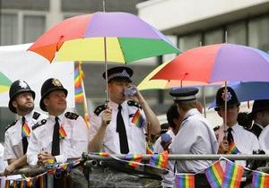 Британский парламент окончательно разрешил однополые браки
