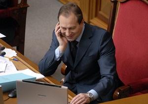Томенко грозит Сегодня судом за то, что его перепутали с поэтом