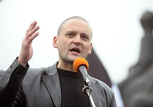 Один из лидеров российской оппозиции вывезен из больницы в неизвестном направлении