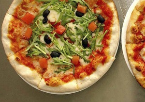 Неаполитанские власти подозревают пиццерии в использовании гробов для растопки печей