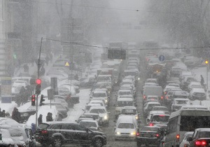 Киевские власти намерены восстановить работу всех автобусных маршрутов до вторника