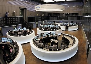 Украинские фондовые индексы скорректировалась после вчерашнего снижения