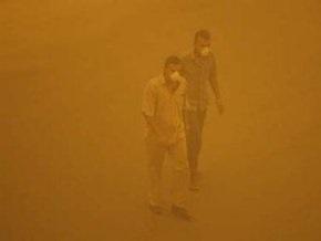Сильнейшая песчаная буря парализовала Багдад: сотни пострадавших