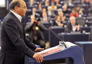 Кризис в Тунисе. Премьер ушел в отставку