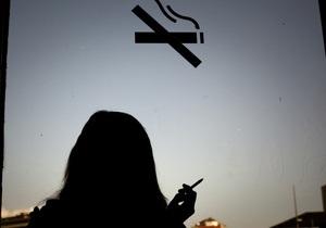 В Киеве обозначат места, где запрещено курить
