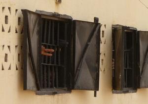 В Египте тысячи заключенных бежали из тюрем (обновлено)