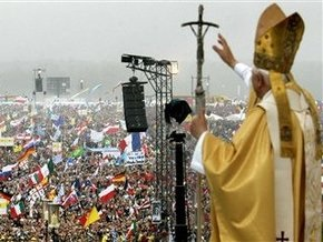 Папа Римский почтил память жертв Голодомора