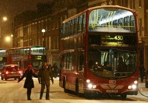 Водитель лондонского автобуса совершил намаз во время рейса