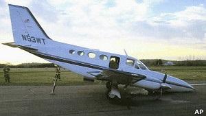 80-летняя американка посадила самолет за умершего мужа