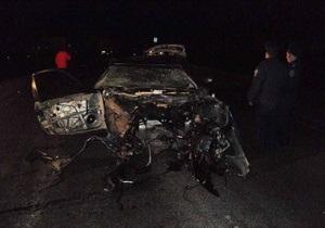В Полтавской области легковой автомобиль столкнулся с бензовозом: есть погибшие