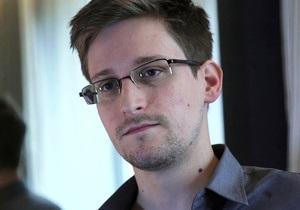 Сноудену разрешили покинуть транзитную зону аэропорта Шереметьево