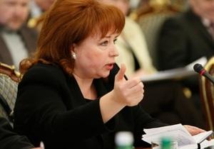 Карпачева попросила Януковича создать совет по борьбе с пиратством