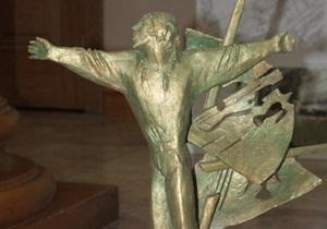 В Одессе открыли два памятника – Высоцкому и Суворову