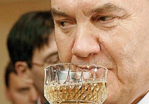 Губернаторы подарят Януковичу картину