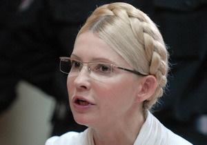 Тимошенко просит три дня на поиски новых адвокатов