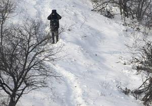Пограничники задержали нелегала, который на санках вез ящики водки в Беларусь