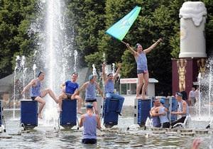 День ВДВ - Начальник ВДВ России разрешил десантникам купаться в фонтанах