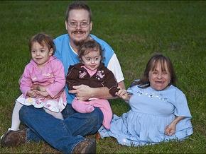 Самая маленькая женщина в мире беременна уже третьим ребенком