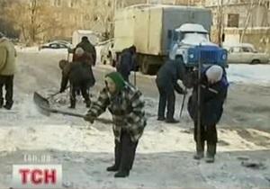 Киевские гаишники будут помогать коммунальным службам убирать снег