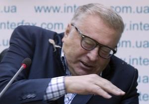 Киевская журналистка бросила в Жириновского капусту, обозвав украинофобом