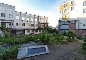 Фотогалерея: Все идет по плану. Компания СКМ показала, какой была территория возле Андреевского спуска до сноса зданий