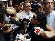 Марадона подрался с папарацци