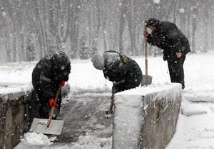 Из Киева вывезли 245 тонн снега