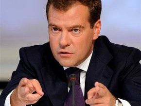 Медведев разрешил сажать в тюрьму за статус вора в законе